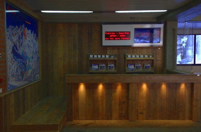 Empfangstheke Bergbahnen AG – Saas Fee, CH