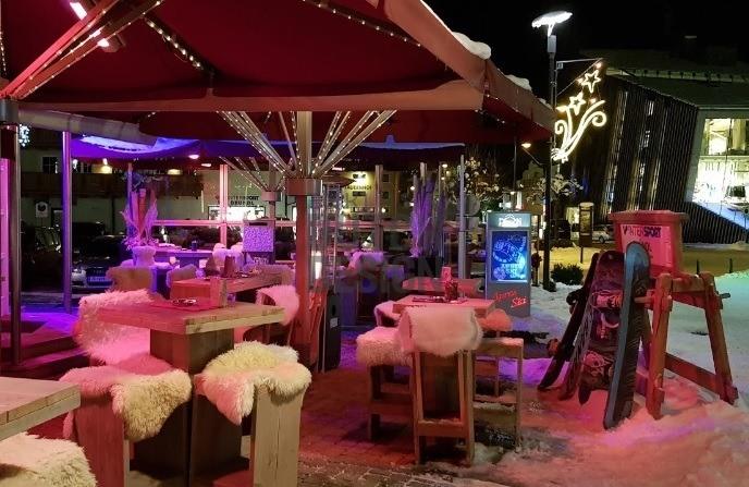 Pavillon Bar - Kaprun - Bauholz Ladeneinrichtung