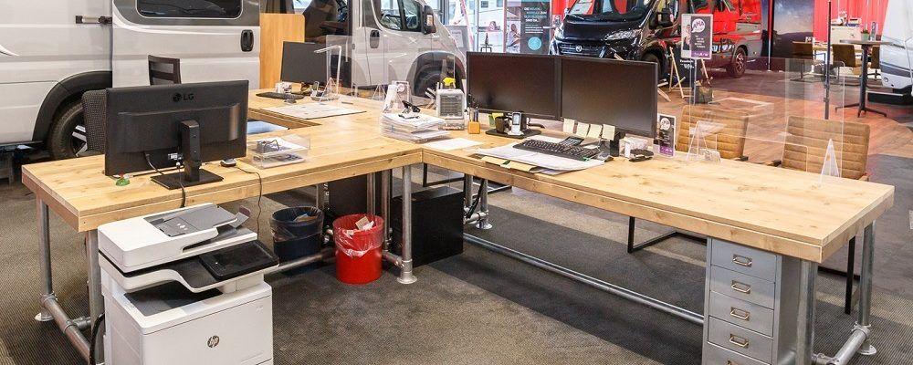 Bauholz Büromöbel