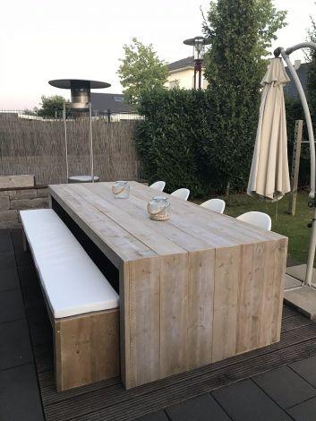Gartentisch Wismar aus transparent geöltem Bauholz