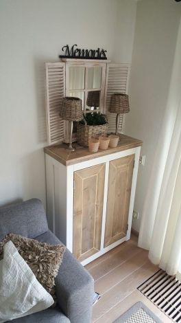 Bauholz Kommode Österreich im Landhaus-Stil mit Lack