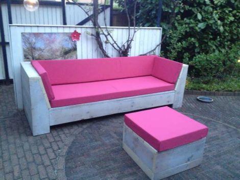 Bauholz Lounge Sofa Erkheim mit White Wash Öl, Cartenza 190 Pink Kissen