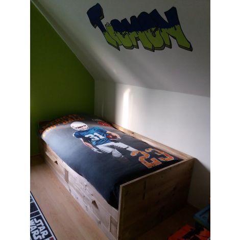 Bett Suhl aus Bauholz mit Lack