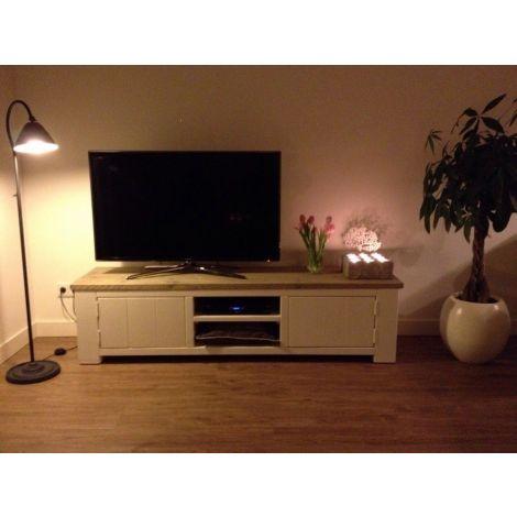 Bauholz TV-Möbel Jena im Landhaus-Stil mit Lack