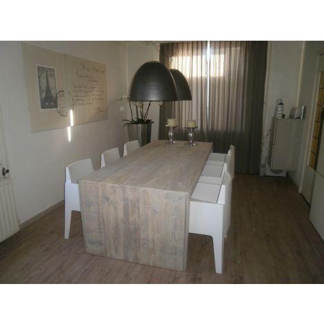 Bauholz Möbel - Esstisch Wismar mit Grey Wash Beize
