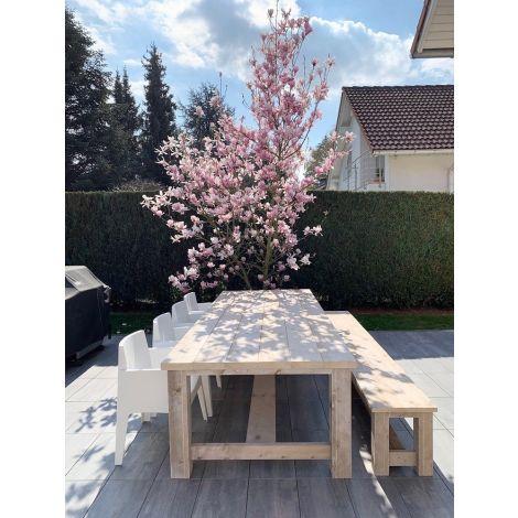Gartentisch Gera 300 x 116 cm aus Bauholz mit White Wash Öl und 5 cm Platte, dazu Gartenbank Gera 300 cm und Stuhl Genève