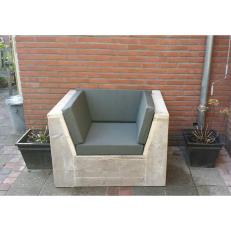 Bauholz Lounge Sessel Rosenheim mit Grey Wash Öl, Cartenza 167 Graphite Kissen