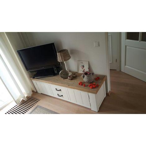 Bauholz TV Möbel Kufstein im Landhaus-Stil deckend weiß - Deckplatte mit Lack